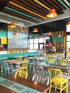 55 Bar and Restaurant Interior Design Ideas - Home Decorations Trend 2019 Vida Restaurant, Woods Restaurant, Restaurant Ideas, Restaurant Chairs, Cafeteria Design, Small Restaurant Design, Modern Restaurant, Colorful Restaurant, Small Cafe Design