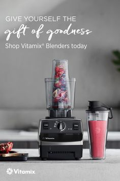 Make Single Serve Smoothie Recipes in the Vitamix Personal Cup Adapter Strawberry Sorbet, Raspberry Smoothie, Apple Smoothies, Breakfast Smoothies, Vitamix Blender, Vitamix Recipes, Smoothie Recipes, Blender Recipes, Single Serve Smoothie Recipe