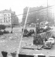1 Mayıs 1977 Taksim Meydanı. http://en.wikipedia.org/wiki/Taksim_Square_massacre