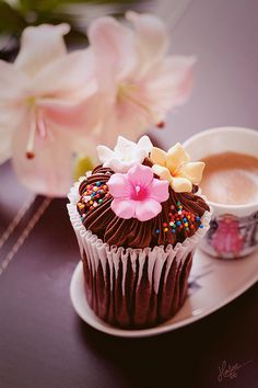 :O I wouldn't be able to eat that, it is too pretty!