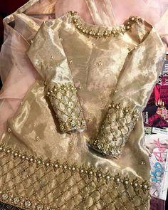 Simple Pakistani Dresses, Pakistani Dress Design, Simple Dresses, Indian Dresses, Indian Outfits, Casual Dresses, Pakistani Party Wear, Pakistani Wedding Outfits, Pakistani Bridal