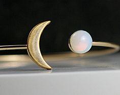 Pulsera dorada luna creciente