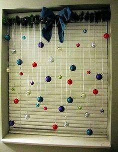 ¡Decoración navideña de ventanas! Esta Navidad decora las ventanas de casa con detalles navideños como vinilos o móviles colgantes con copos de