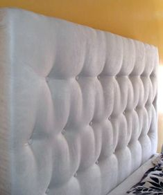How To: DIY Tufted Headboard Charissa's February Jumpstart Project 2009 | Apartment Therapy