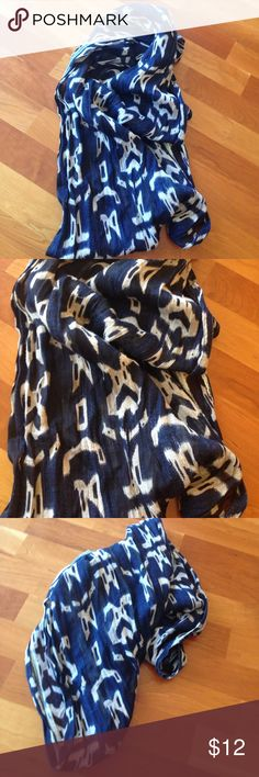 Infinity scarf Great colors for any season blue-and-white great for travel makes any outfit look super Accessories Scarves & Wraps