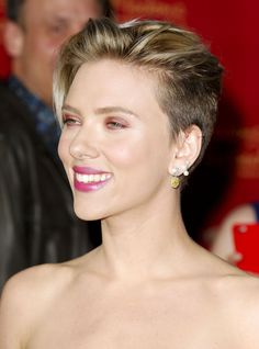 """Scarlett Johansson attends the premiere of Marvel's """"Avengers: Age Of Ultron"""" at Dolby Theatre on April 13, 2015 in Hollywood, California."""