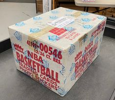 86-87 Fleer basketball - a conversation with BBCE owner Steve Hart - Michael Jordan Cards Star Company, Buy Boxes, Box Building, Magic Johnson, Larry Bird, Basketball Cards, Vintage Box, Make Arrangements, Just Giving