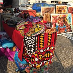 Every 1st Saturday of the month there's an artisan market at Ilha Luanda #Angola Amazing colours and friendly people - Recommended!