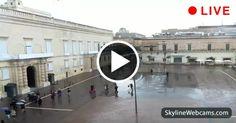 Splendida vista sulla piazza principale della capitale e sul magnifico The Palace