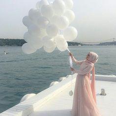Pin @reemssq Beautiful Hijab Girl, Beautiful Muslim Women, Hijabi Girl, Girl Hijab, Muslim Girls, Muslim Couples, Hijab Hipster, Modele Hijab, Muslim Beauty