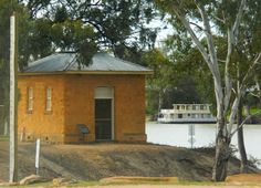 houseboat morgan