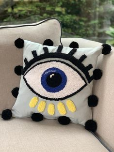 Embroidery Art, Embroidery Patterns, Needle Cushion, Evil Eye Art, Modern Throw Pillows, Burlap Crafts, Diy Décoration, Punch Needle, Embroidery Techniques
