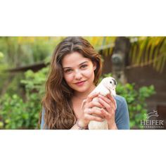 "Danielle Campbell su Instagram: ""Visiting Heifer in Guatemala #daniellecampbell"""