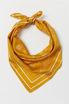 Scarf in woven fabric with a printed pattern. Can be tied as a hairband. Paisley Design, Paisley Pattern, Donna Pinciotti, Yellow Pattern, H&m Gifts, Irish Lace, Neck Scarves, Fashion Company, Hair Band