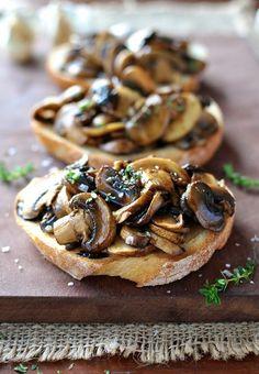 Thyme Mushroom Bruschetta Balsamic Thyme Mushroom Bruschetta - quick recipe is perfect for breakfast, lunch or snack.Balsamic Thyme Mushroom Bruschetta - quick recipe is perfect for breakfast, lunch or snack. Recipetin Eats, Snacks Für Party, Kid Snacks, Lunch Snacks, Healthy Snacks, Healthy Recipes, Appetisers, Mushroom Recipes, Appetizer Recipes