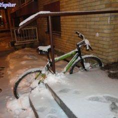 3 Bicikli napušten i ostavljen kod ulaza u zgradu