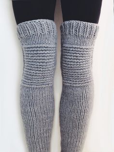 Moto Leg Warmers Pattern by TwoOfWandsShop // knitting pattern for leg wamers motorcycle padded quilted leggings // two of wands