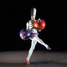 """6. Spherehands, dancer: Florian Sollfrank, """"The Triadic Ballet"""" by Gerhard Bohner, Bavarian State Ballet II, © Wilfried Hösl 2014"""