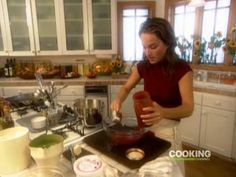 ▶ Classic Italian Lasagna - Giada De Laurentiis - Cooking Channel - YouTube