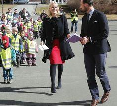 On March 23, 2017, Crown Prince Haakon and Crown Princess Mette-Marit of Norway visited the Norwegian University of Life Sciences - NMBU (Norwegian: Norges miljø- og biovitenskapelige universitet, NMBU) in Ås, Akershus.