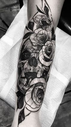 Skull & Flowers Tattoo