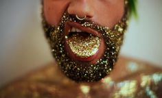 Will you be having a glitter beard this holiday season? Take a look at some of the best glitter beards around! Hey, you might just want to try it out! Glitter Roots, Sparkles Glitter, Glitter Converse, Glitter Bomb, Glitter Hair, Glitter Nikes, Glitter Dress, Glitter Wedding, Pink Glitter
