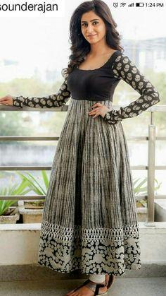 Nice flares Stylish Dress Designs, Dress Neck Designs, Stylish Dresses, Casual Dresses, Long Gown Dress, Sari Dress, Anarkali Dress, Indian Designer Outfits, Indian Outfits