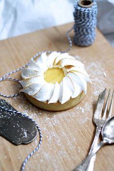 Chloé Délice: Tartelettes au citron vert meringuées { et présentation du site The Tops }