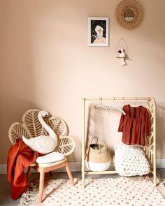 Pre-order Rotan Kledingrek 'Nine' Kids Bedroom Dream, Baby Bedroom, Girls Bedroom, Baby Decor, Kids Decor, Toddler Rooms, Nursery Furniture, Little Girl Rooms, Bedroom Colors