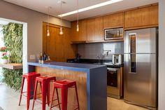 bancada americana azul na cozinha