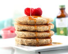 Make the most of Spring season with these healthy Spring recipes. These recipes are fresh, delicious, and packed with essential nutrients our body needs! Healthy Spring Recipes, Fast Healthy Meals, Fast Easy Meals, Eating Healthy, Easy Soup Recipes, Sweet Recipes, Homemade Food Gifts, Spring Cake, Morning Food