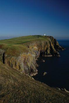 Mull of Galloway lighthouse, Scotland (May 2002)