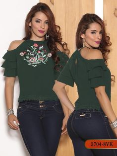 Blusa moda colombiana vikats - ref. Western Tops, Magazine Mode, Blouse Vintage, Fashion Quotes, Blouse Designs, Casual Wear, Cool Outfits, Couture, Clothes For Women