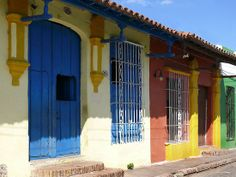 Colonial houses in Camaguey, Cuba People Around The World, Around The Worlds, Cuba Itinerary, Caribbean Decor, Earth Photos, Cuba Travel, West Indian, What A Wonderful World, You're Awesome