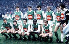 AS SAINT ETIENNE 1984-85  Debouts : Oleksiak , Clavelloux , Primard, Gilles, Ferri, Castaneda Assis : Bellus, Daniel, Ribar, Milla, Peycelon