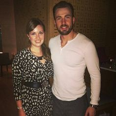 Lucky fan... I think she is beautiful  (not new)  #ChrisEvans #captainamerica #TeamCap #CivilWar #IronMan #SebastianStan #WinterSoldier #Falcon #scartletwitch #ElizabethOlsen #ScartletJohansson #BeforeWeGo #WhatsYourNumber #AnotherTeenMovie #Movie #DoritoGuy #Like #Follow #henrycavill #beardporn #angelinajolie #bradpitt #minkakelly