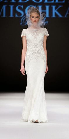 Badgley Mischka Bridal Fall 2015 #Bridal #weddinggowns