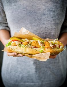 This sarnie hails from Louisiana, which is famous for deep-frying seafood and stuffing it in baguettes with hot sauce. Try our quick version using scampi Best Sandwich Recipes, Lunch Recipes, Cooking Recipes, Best Seafood Recipes, Prawn Recipes, Midweek Meals, Quick Easy Meals, Scampi, Unique Recipes