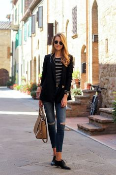 Black blazer, striped top, distressed jeans, oxford shoes, street style, fall outfit #karamode #oxfordoutfit #oxfordshoesoutfit