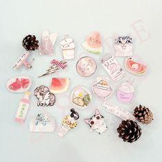 1 PCS Pink Series No.4 Icons Free Shipping Kawaii Acrylic Pin Badges Backpack Pin Badge Icon Pins Decoration
