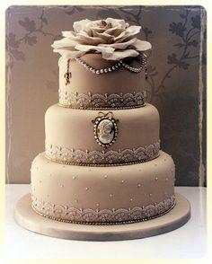 #Cameo #Wedding #Cake!!http://www.simplyelegantforyou.com/ (Top Design Thoughts)
