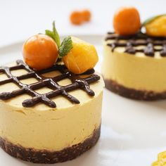Mini Raw Mango Cheesecakes with raw chocolate on top turned out to be so tasty and colorful like sun