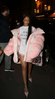 Oct.1: Rihanna out in Paris