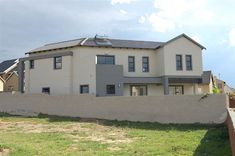Explore this property 3 Bedroom House in Kosmosdal