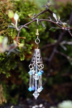 Having a blast making fairy garden wind chimes and sun catchers! See what I have at my Etsy shop. ~~Sandy Fairy Garden Wind Chimes Sun Catchers with Genuine Swarovski C… Fairy Crafts, Garden Crafts, Mini Mundo, Fairy Village, Diy Wind Chimes, Fairy Garden Houses, Fairy Gardening, Container Gardening, Fairy Furniture