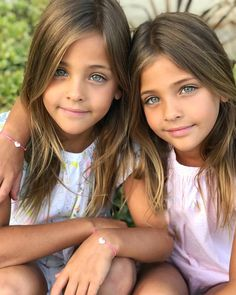 26 Likes, 1 Comments - 💗 Kari Most Beautiful Child, Beautiful Young Lady, Beautiful Little Girls, Beautiful Children, Twin Models, Young Models, Child Models, Twin Girls Photography, Children Photography