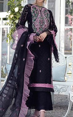 Pakistani Dresses Online Shopping, Online Dress Shopping, Pakistani Lawn Suits, Clothes For Sale, Chiffon Dress, Kimono Top, Fashion Dresses, Indian, Black