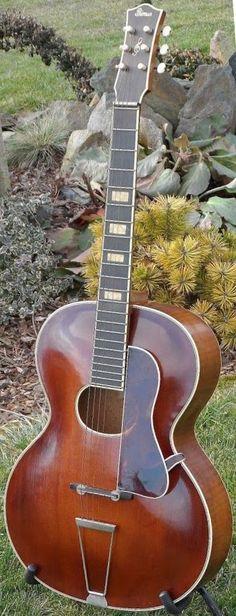 Höfner Primus Archtop Guitar --- https://www.pinterest.com/lardyfatboy/