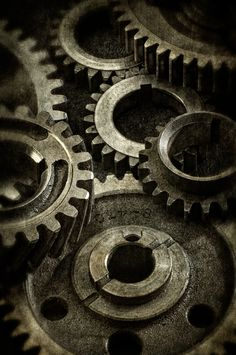 Gears different sizes Mechanical Art, Mechanical Engineering, Steampunk Design, Steampunk Fashion, Vi Lol, Gear Tattoo, Bussiness Card, Industrial Revolution, Dieselpunk