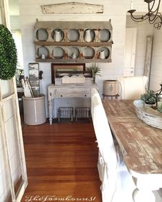 Happy Monday 💛 Hoping your day is beautiful and full of many blessings! Country Farmhouse Decor, Farmhouse Chic, Farmhouse Kitchens, Cottage Farmhouse, White Farmhouse, Kitchen Dining, Kitchen Decor, Dining Rooms, Kitchen Ideas